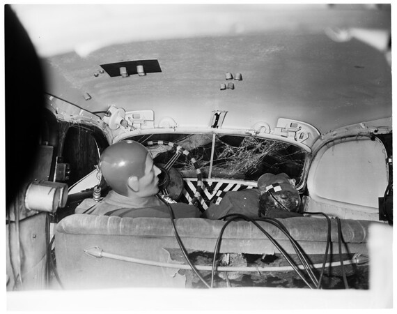 Autos -- safety -- crash test, 1954
