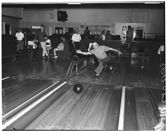 Bowling - La Cienega Lanes - Examiner tournament, 1957