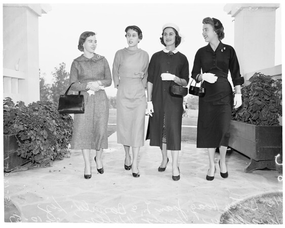 Spinsters, 1957