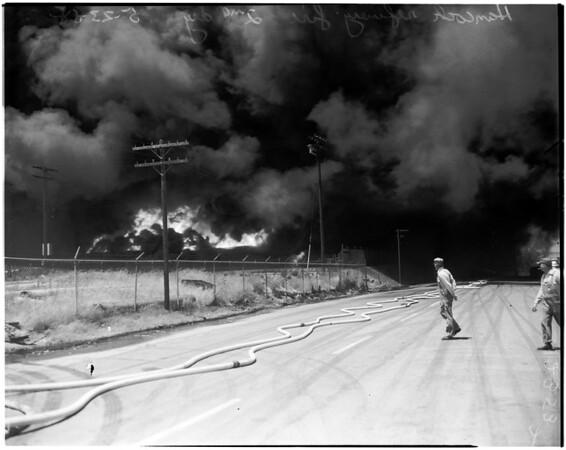Hancock refinery fire in Signal Hill, 1958