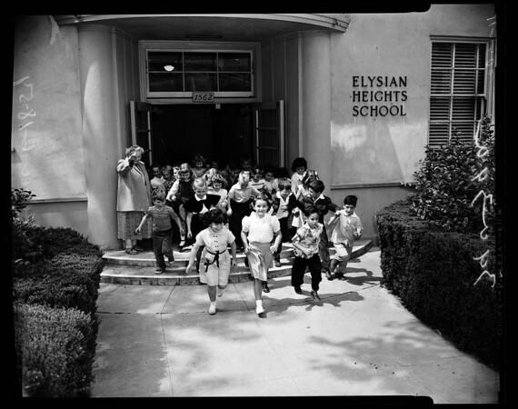 School teacher retires after 43 years, 1954