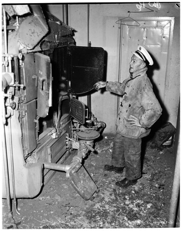 Explosion at Prudential Building at 5657 Wilshire Boulevard, furnace exploded, 1955