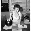 Marla English, 1954