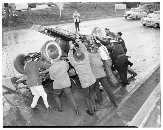 Traffic accident on Santa Ana Freeway at 7th Street turnoff, 1957