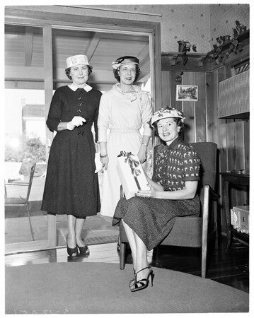 Catholic Big Sisters Guild luncheon -- Fashion show, 1957