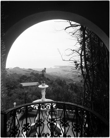 San Simeon California state park (black and white), 1958