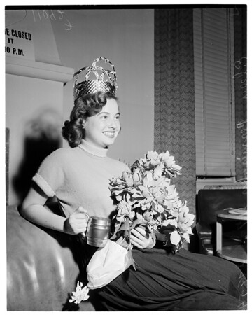Freshman Smile Queen (City College), 1954