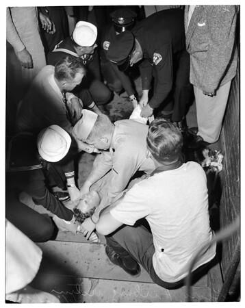 Shooting at subway terminal, 1952