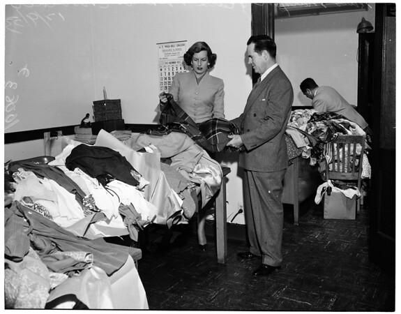 Shoplifters loot, 1953