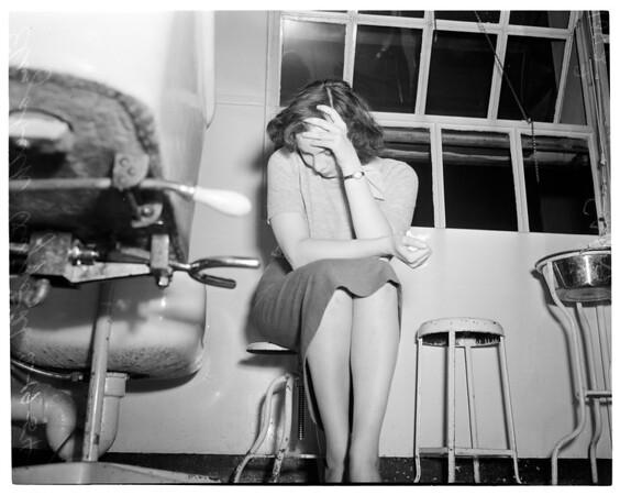 Co-Ed attempts suicide, 1954