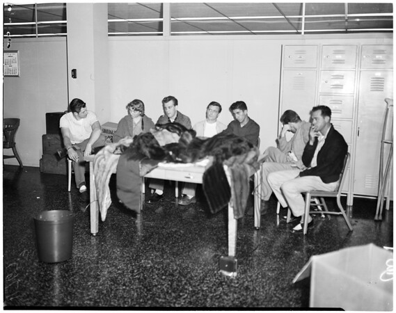 Suspects in fur robbery, 1956
