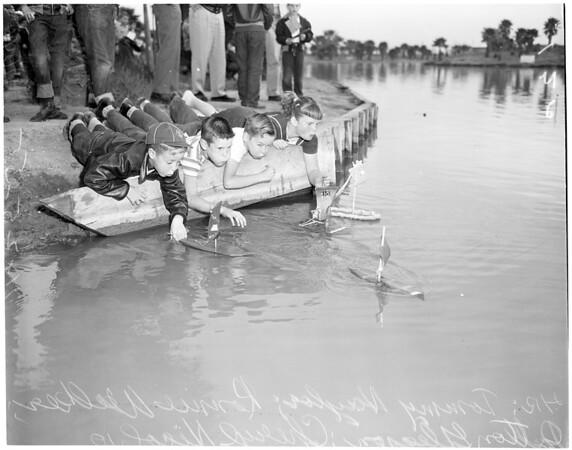 Shingle boat race, Alondra Park Regatta, 1955