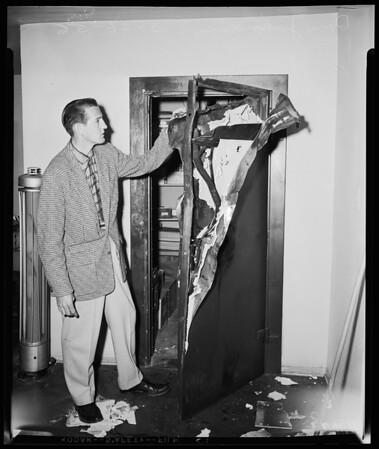 Safe burglary, Bill Heath Ford (5500 Lankershim Boulevard), 1956