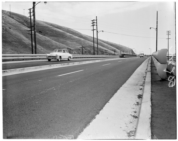 New section of freeway open, 1957