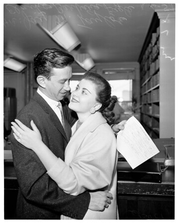 Anti-romance rule of law firm broken (obtain marriage license), 1957
