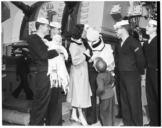 "USS ""Worchester"" arrival (cruiser), 1956"