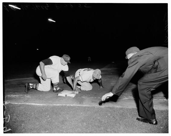 Los Angeles versus Hollywood, 1955