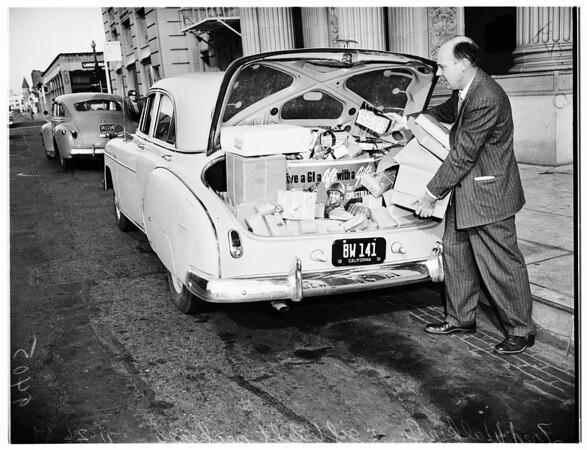 Gift lift, 1951
