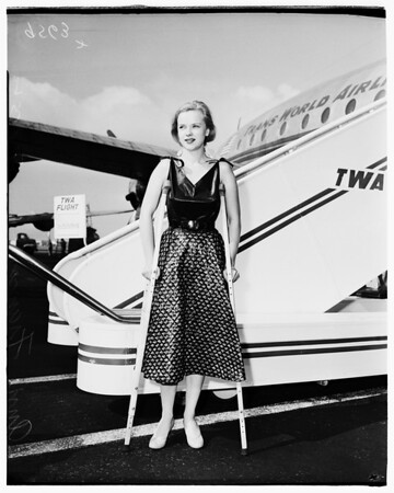 Airport arrival, 1952