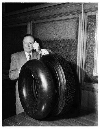 New Goodyear tire, 1952