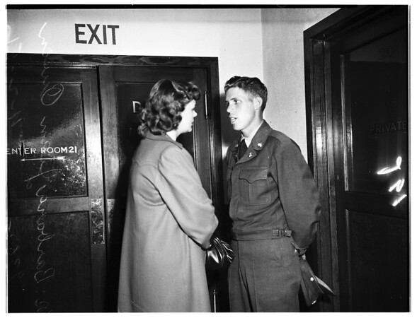 Soldier to see baby, 1951