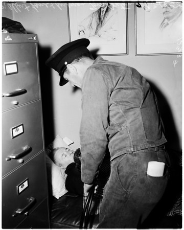 Juror suffers attack (murder trial juror), 1958