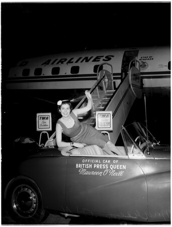 British Press Queen arrives in L.A., 1955