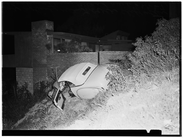 Auto over cliff -- 2227 Alcyona Dive, 1952