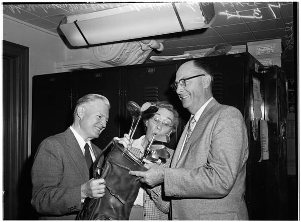 County worker retires, 1958