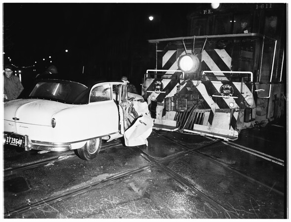 Auto versus train accident at Jefferson Boulevard and Main Street, 1951