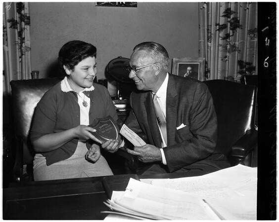 Examiner Hero Award, 1958