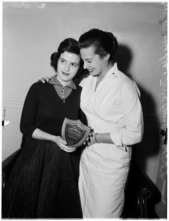 Award for city college heroine, 1958