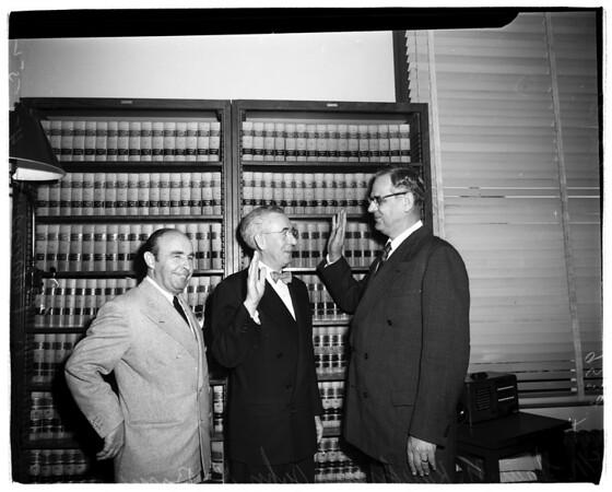New Municipal judge sworn in, 1952