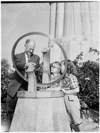 Sundial at Griffith Park Observatory, 1957