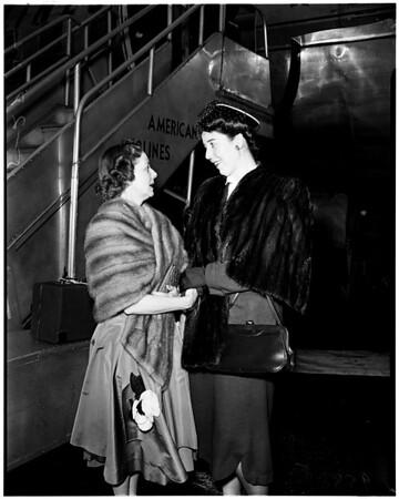 Ojai festival singer arrives, 1952