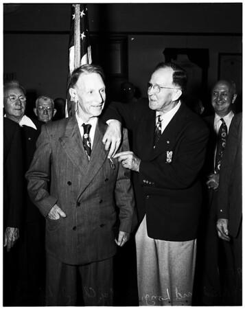 Veteran gets delayed medal 52 years late, 1952