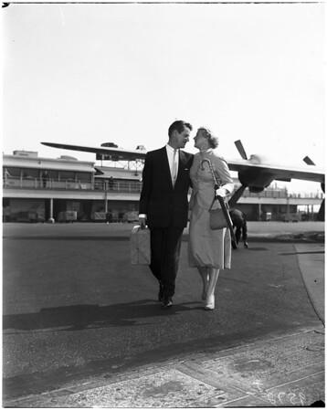 Betty Hutton arrival, 1952