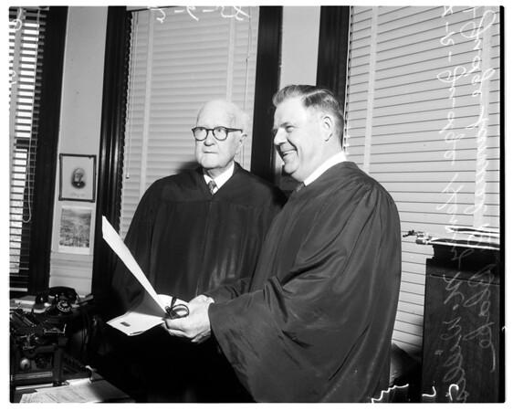 Judge retires, 1958
