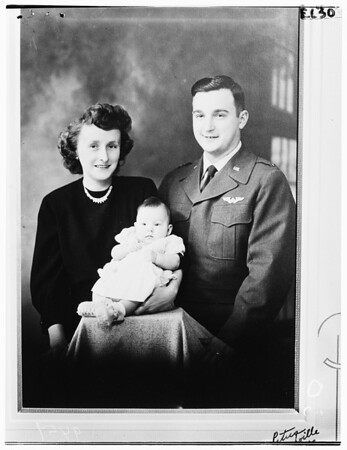 Baby dies, 1952