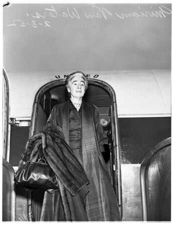 Noted sociologist and writer arrives, 1952