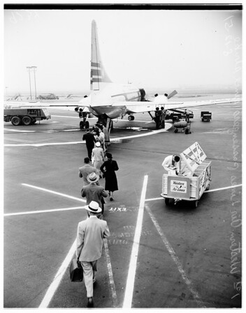 End of Western Air Lines strike (International Airport), 1951