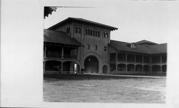Facade of the Union Stock Yards, Los Angeles, [s.d.]
