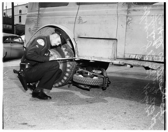 Accident -- truck motorcycle at 29th and South San Pedro, 1951