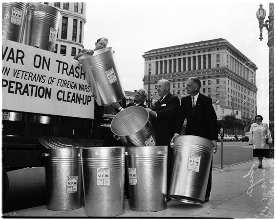 Veteran trash cans (litter), 1958