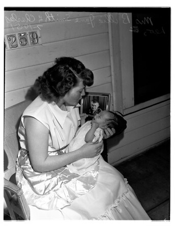 Baldwin Park war baby (family of Sergeant Leo B. Smith), 1951