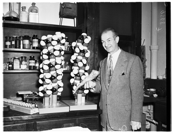 Doctor Pauling, 1952
