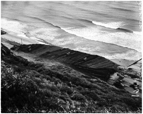 Landslide cleanup (Pacific Palisades), 1958