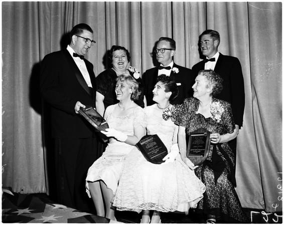 Teachers give awards, 1958