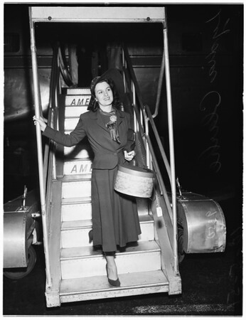 Arrival from New York for debut in Paramount Pictures, 1951