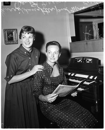Mother-daughter graduate from University of Southern California, 1957